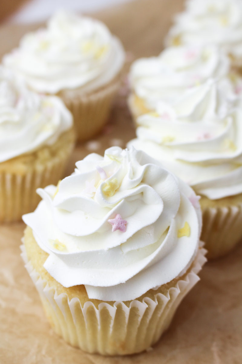 White Vanilla Cupcakes | What Charlotte Baked