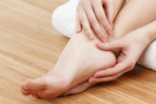 home-remedies-for-cracked-heels