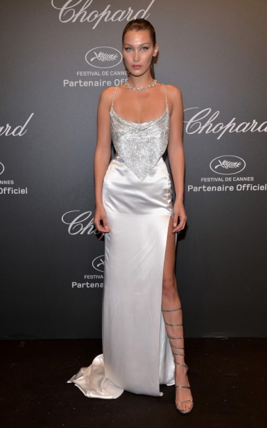 bella-hadid-kendall-jenner-chopard-space-party-red-carpet-fashion-roberto-cavalli-ralph-russo-couture-tom-lorenzo-site-2