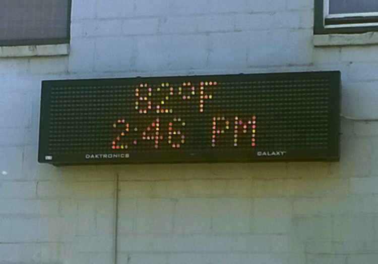 high temp on oxford building sign 2015-05-28