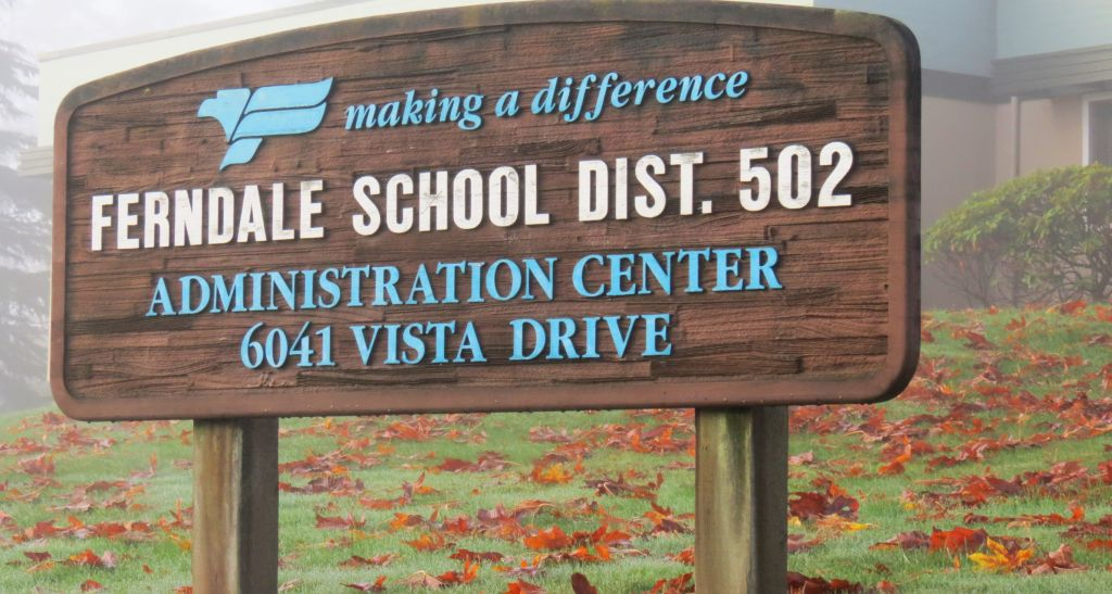 ferndale-school-district-sign-outside-admin-building-on-vista-dr-2016-10-22