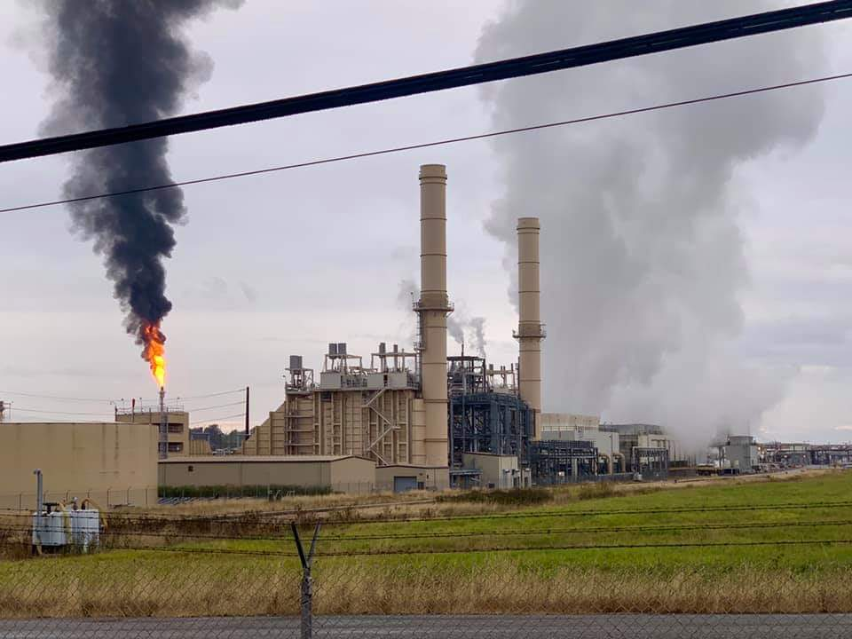 Flaring event at the Phillips 66 Ferndale Refinery (September 19, 2019). Photo courtesy of Robin Woelz