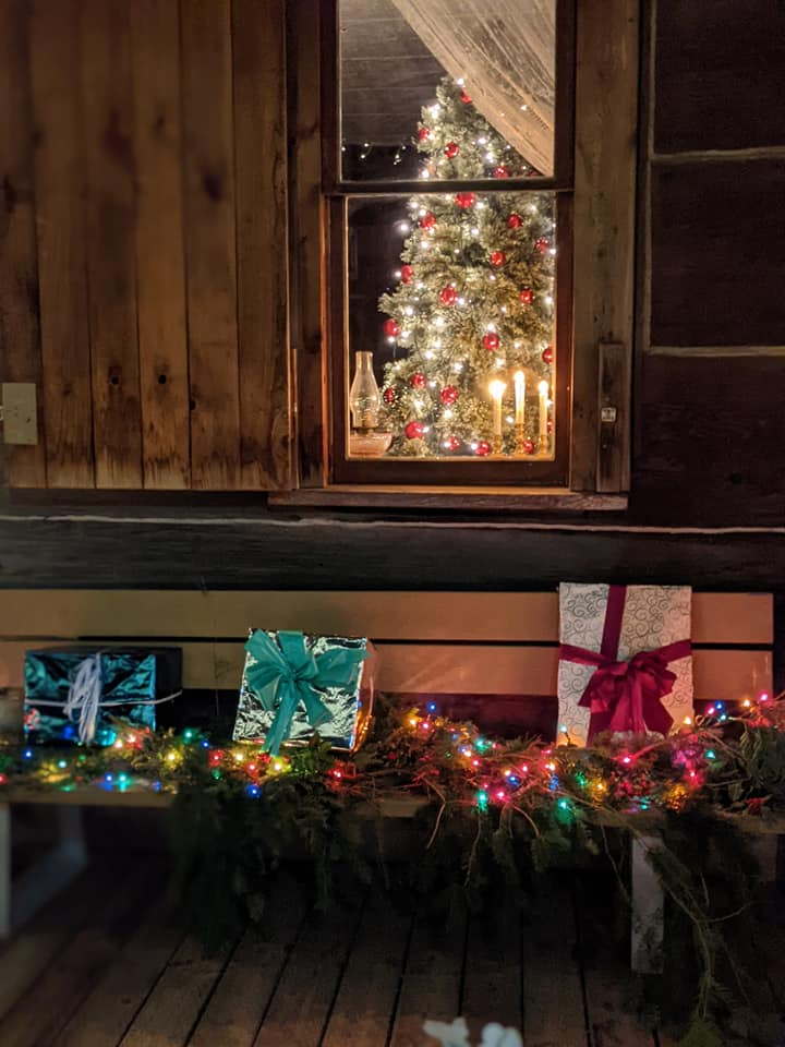 Jenni House cabin decorated during the Lighted Christmas Stroll event (December 2, 2020). Photo courtesy of Ferndale Heritage Society