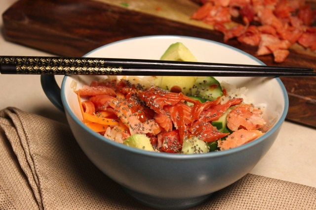 It may not be the real thing, but this smoked salmon sushi bowl can sure kick a craving. Plus, it's still easier than rolling your own.