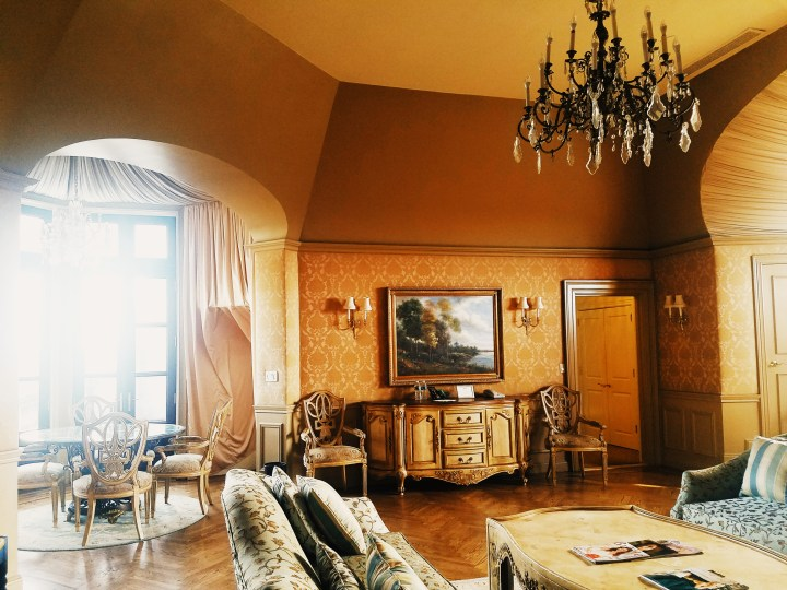 Giant bridal suite at Oheka Castle on Long Island