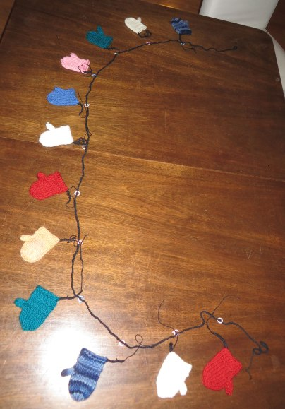 mitten-garland-in-process-for-web