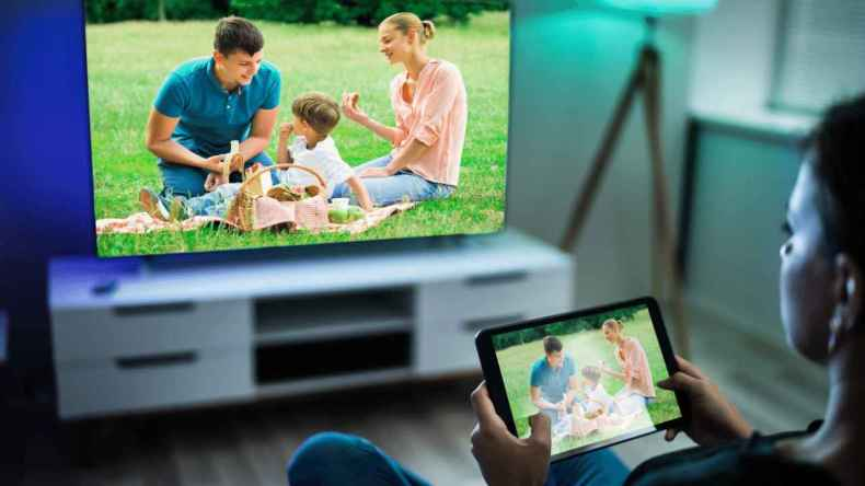 How to Connect Tablet to TV