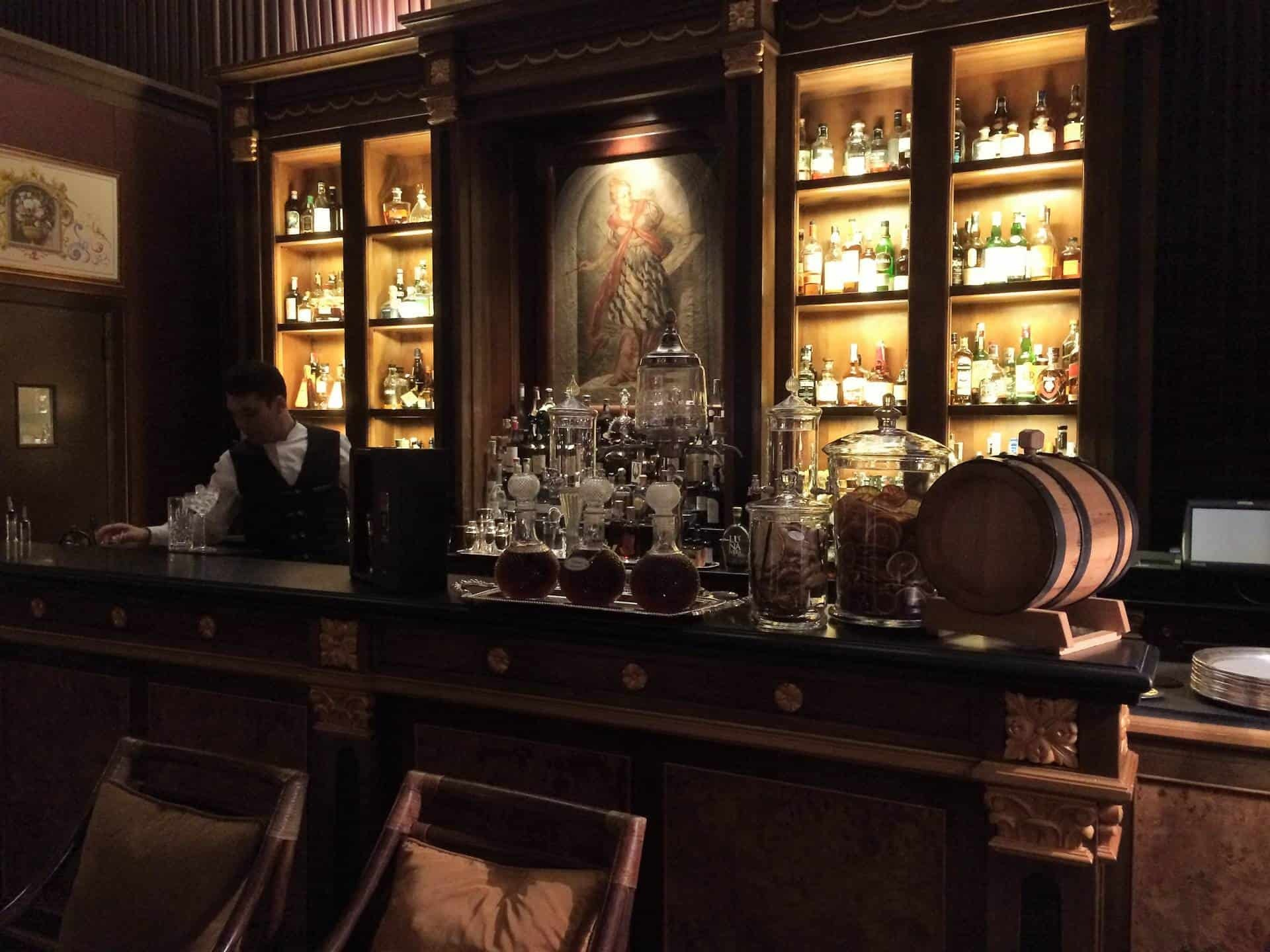 The bar at the Four Seasons Florence