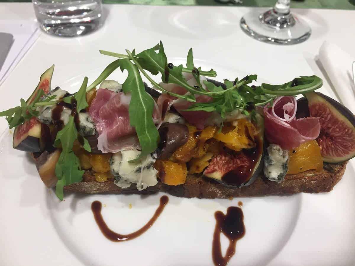 Pumpkin seed bruschetta with Parma Ham