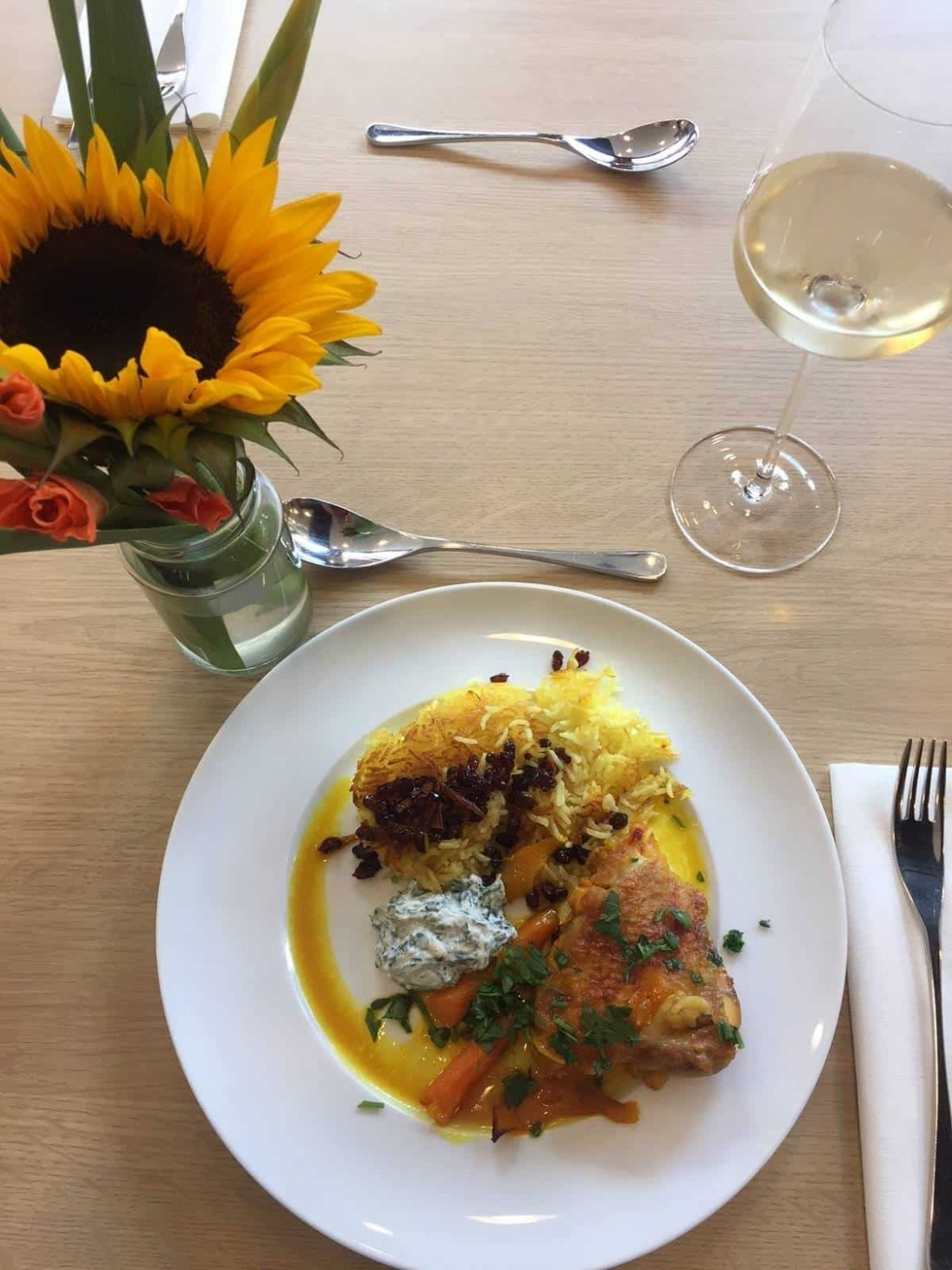 Saffron chicken with tahdig rice