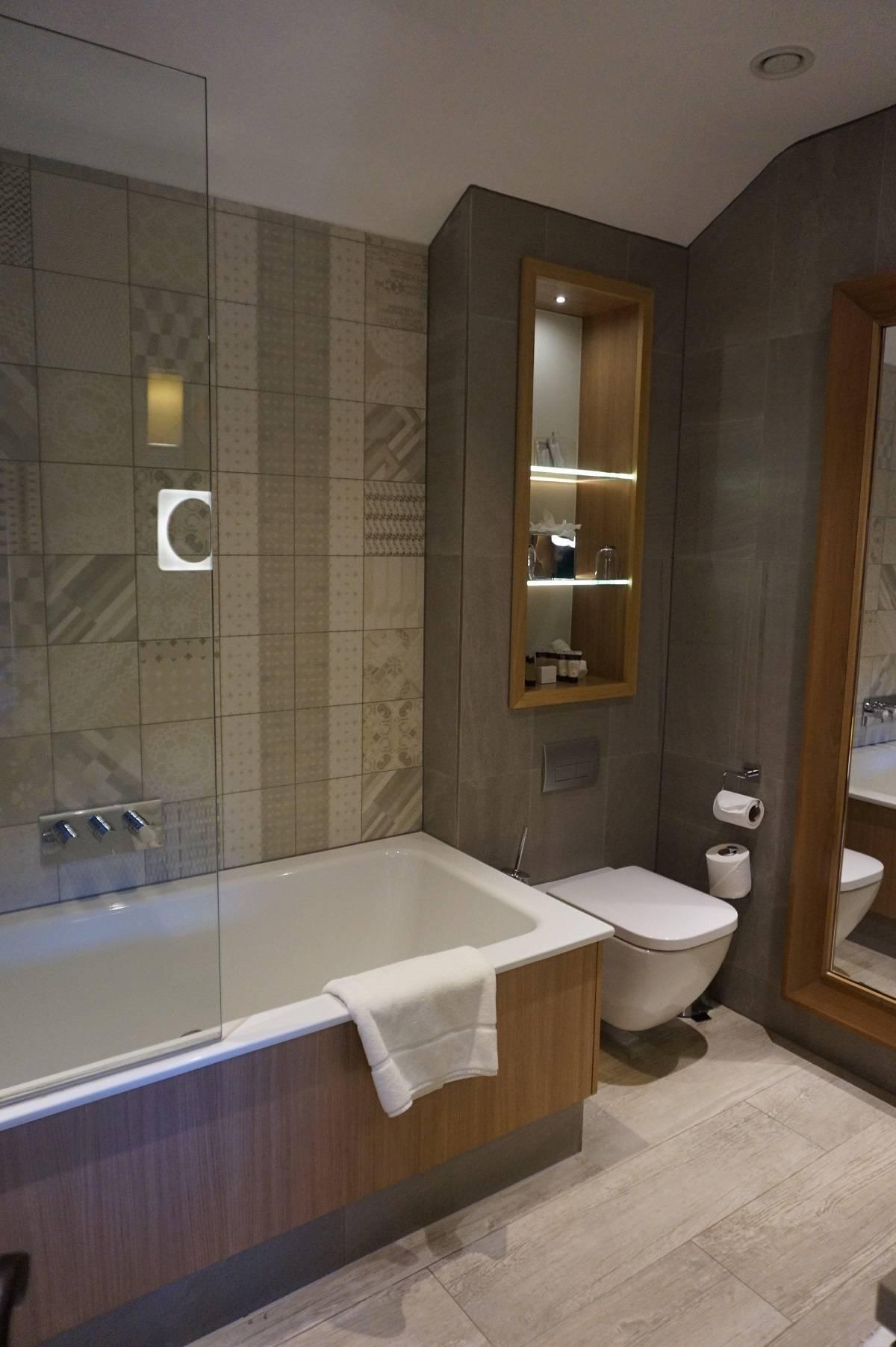 Bathroom in Snowflake Mews Suite