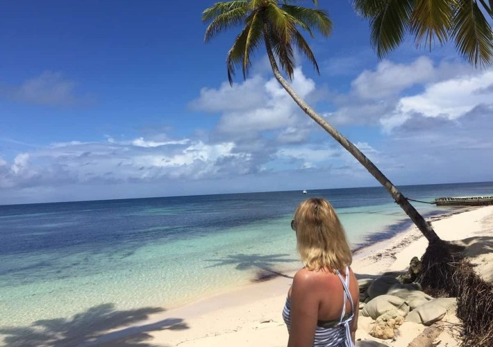 Seychelles Desroches beach