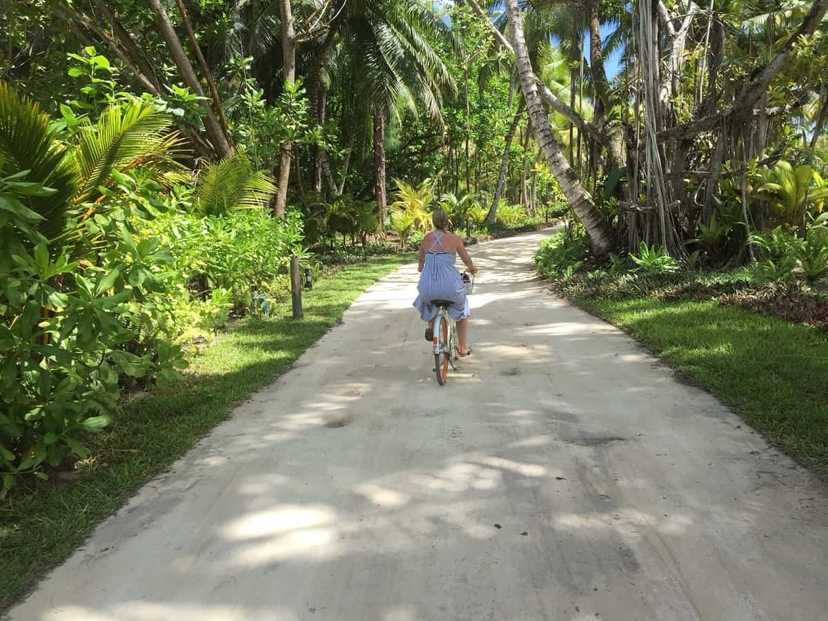 Cycling around Four Seasons Desroches