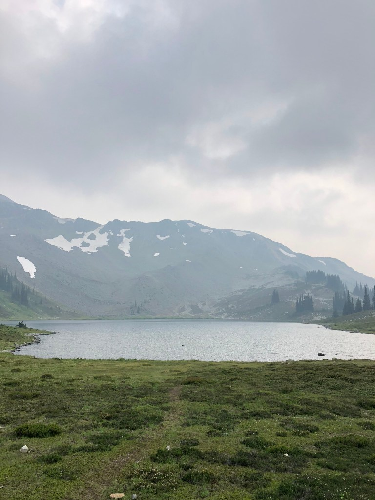 The beautiful lake on the Panorama Ridge hike
