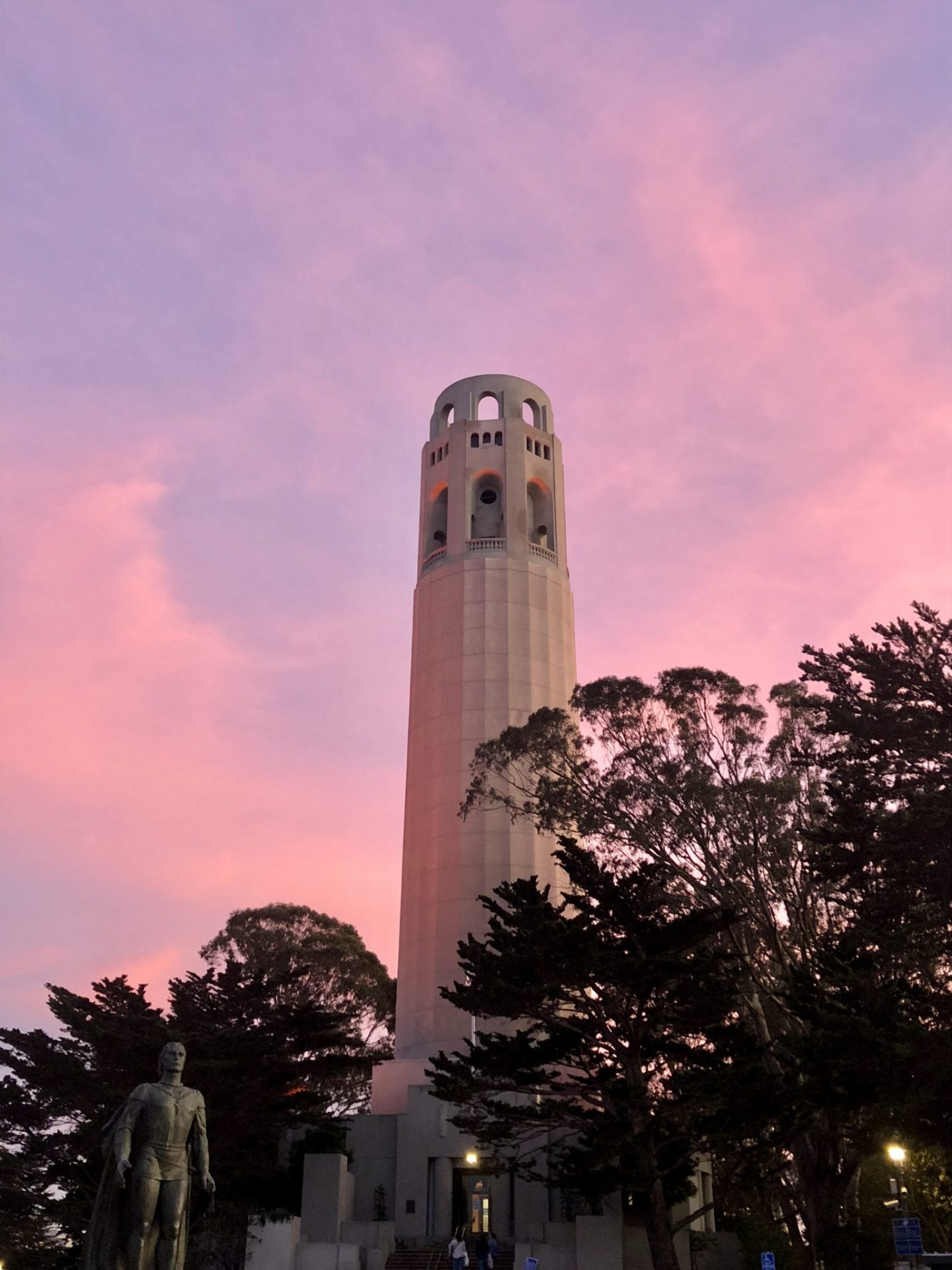 Pink skies over the Coit Tower, San Francisco
