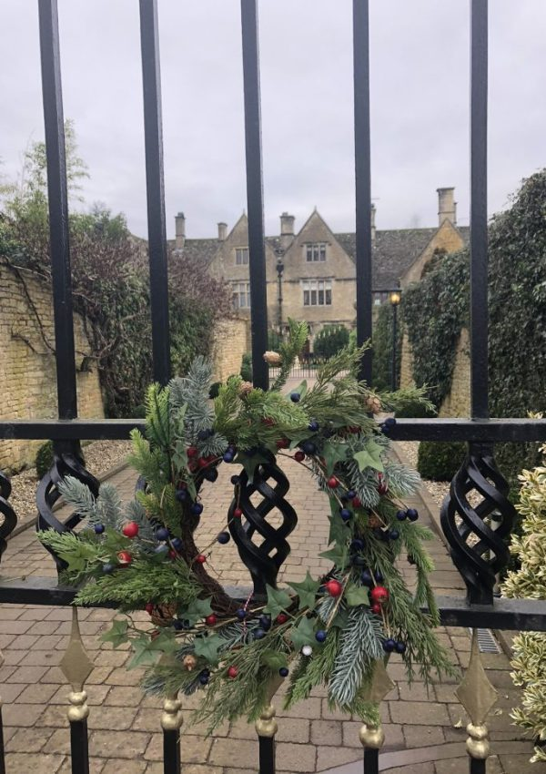 Christmas wreath on the Manor, Bourton on the Water