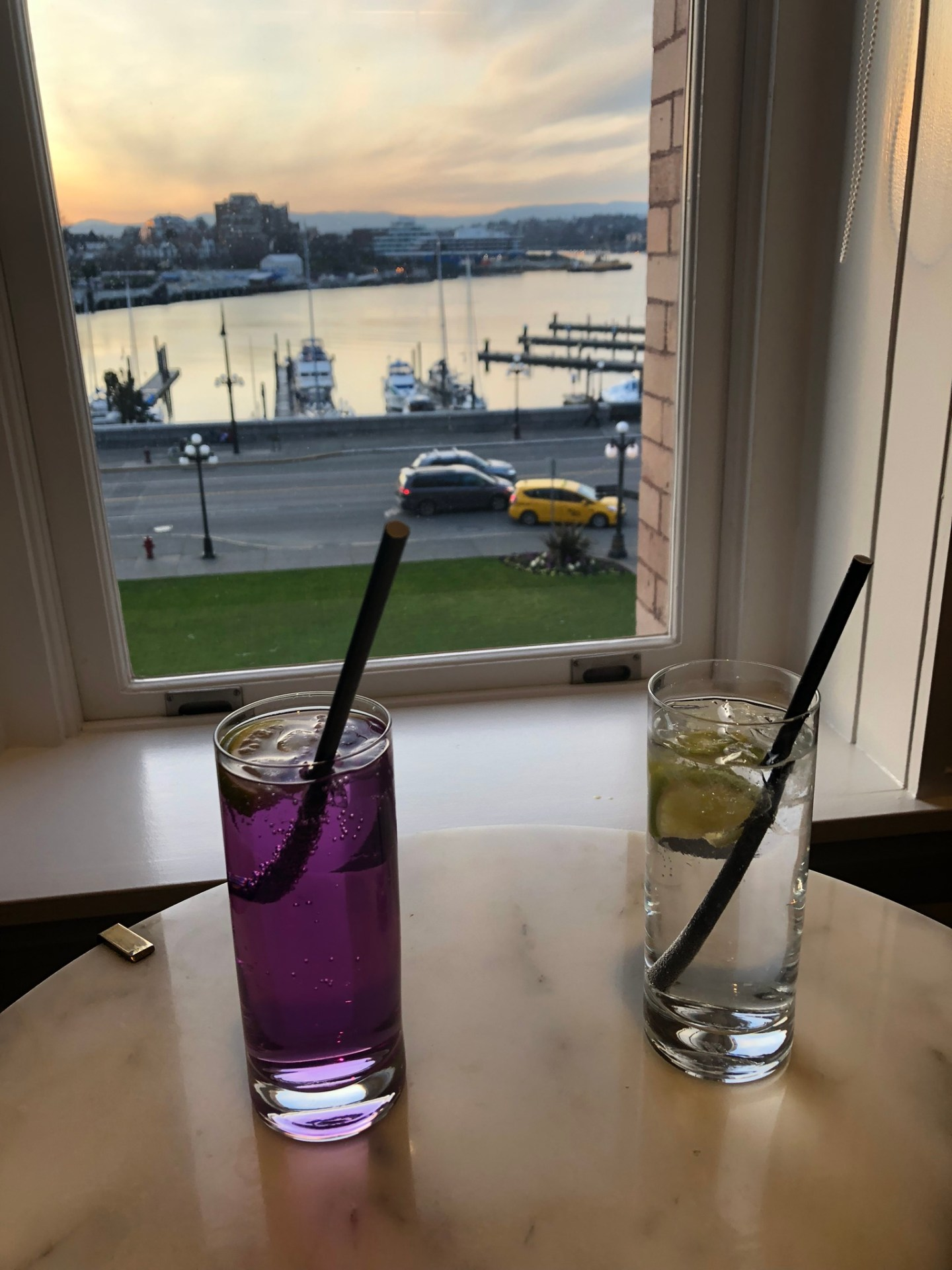 Drinks in front of Victoria harbour at the Fairmont Empress
