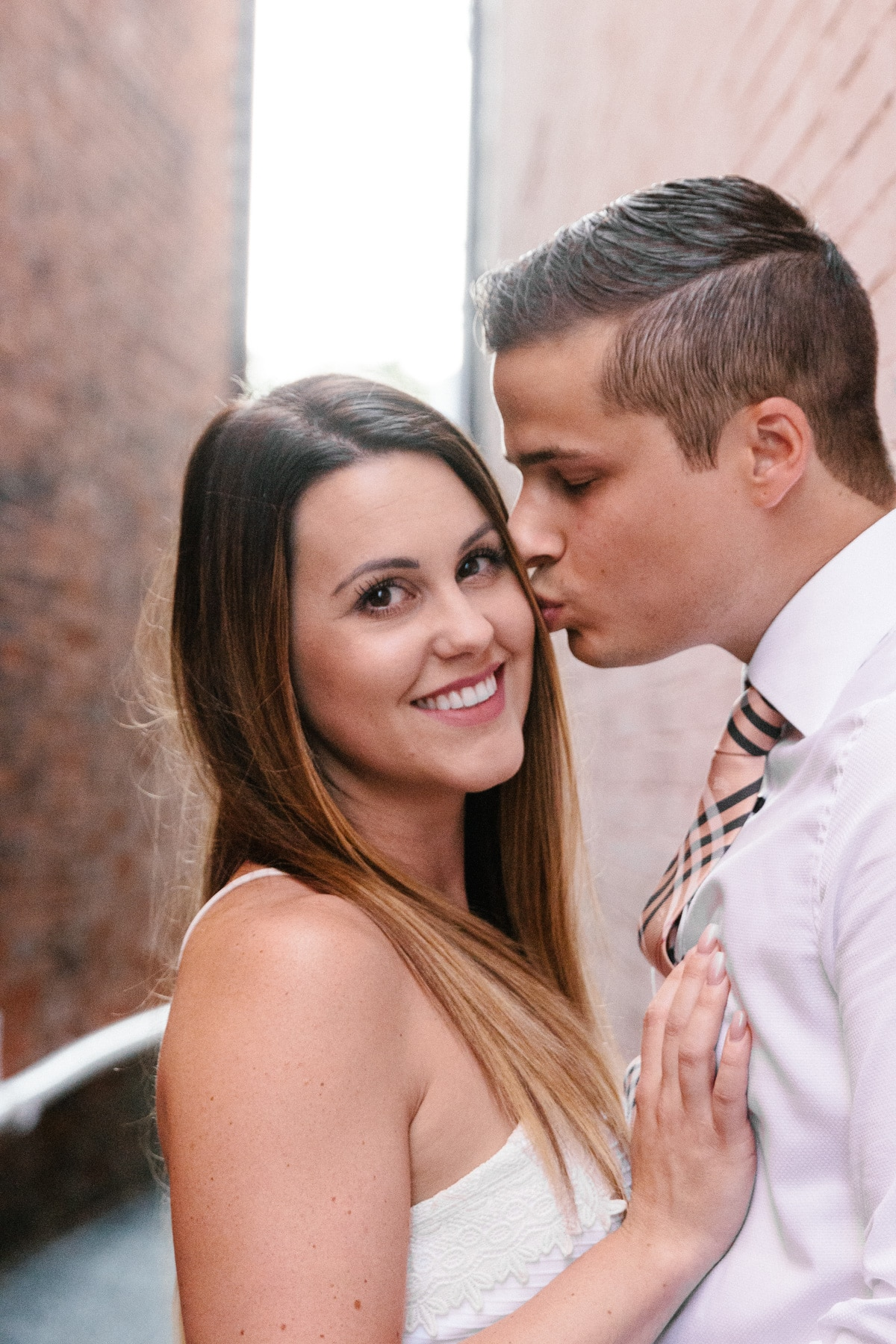 Engagement session in columbus ohio! These engagement pictures capture this couple perfectly. Check out the engagement poses and portrait golden hour photography.