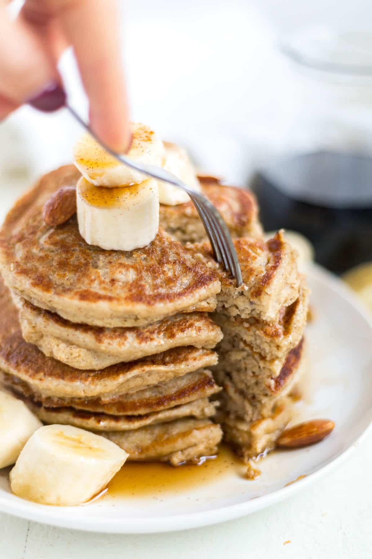 banana and oatmeal pancakes