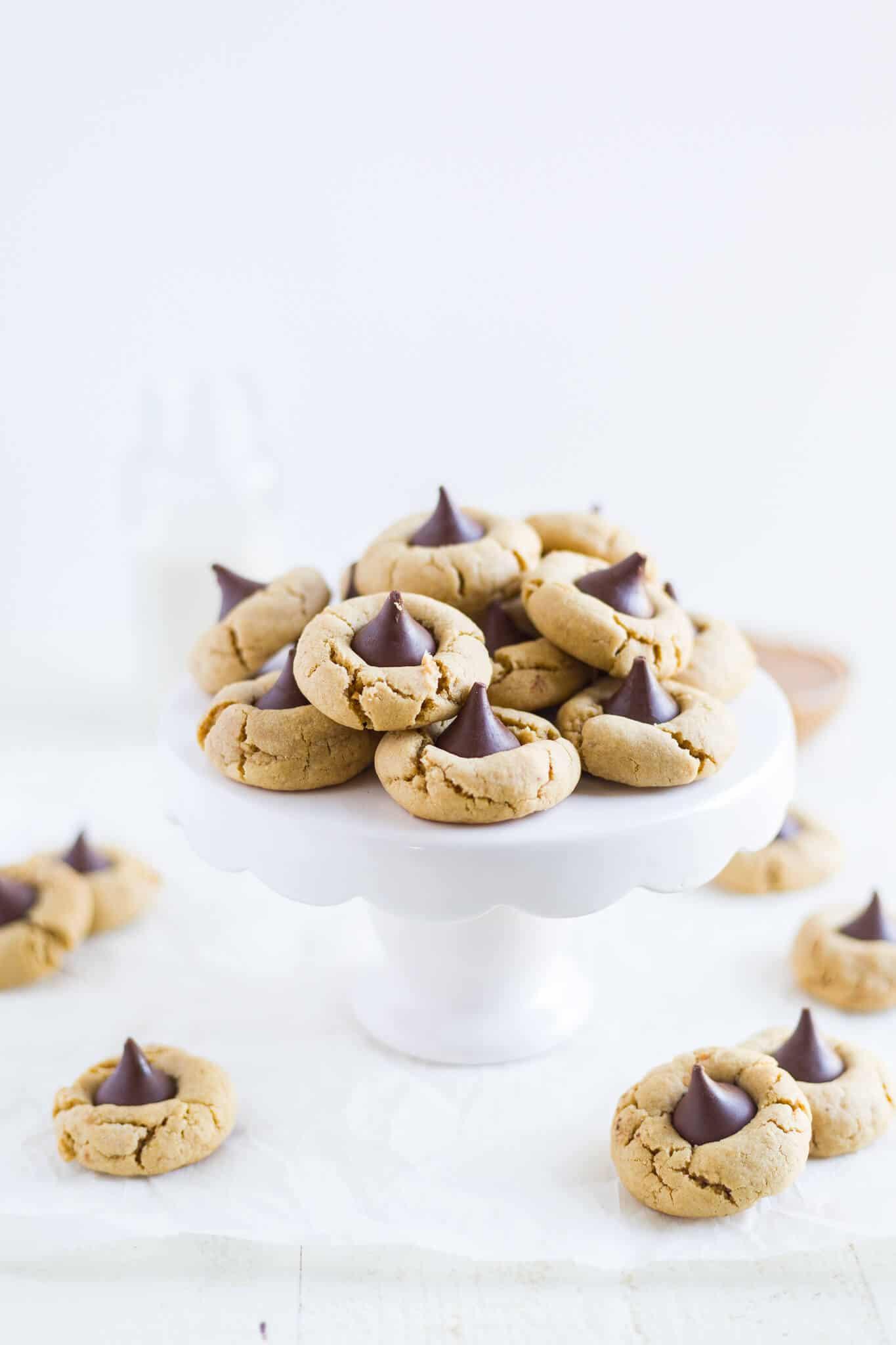 gluten free peanut butter blossom cookies