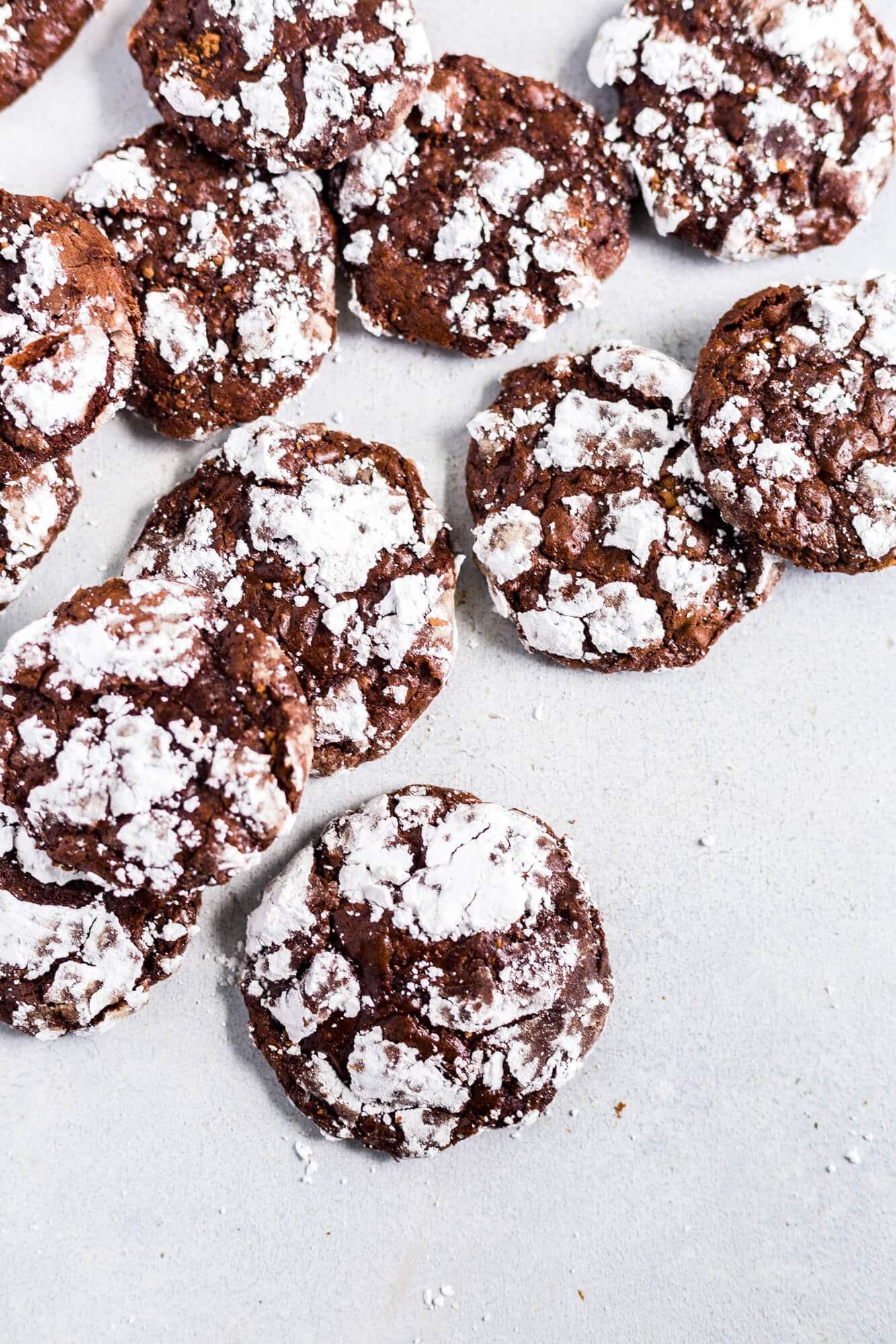 easy gluten free chocolate crinkle cookies