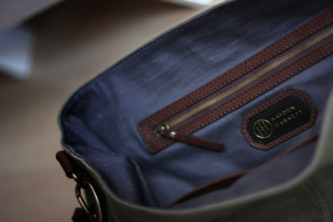 messenger-bag-inside-detail