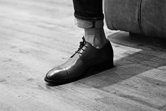 B&W-one-foot
