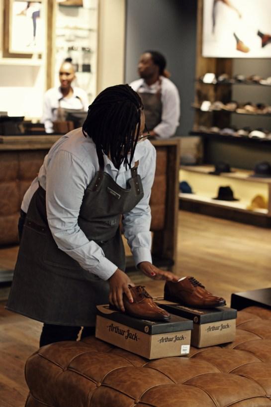 shop-assistant