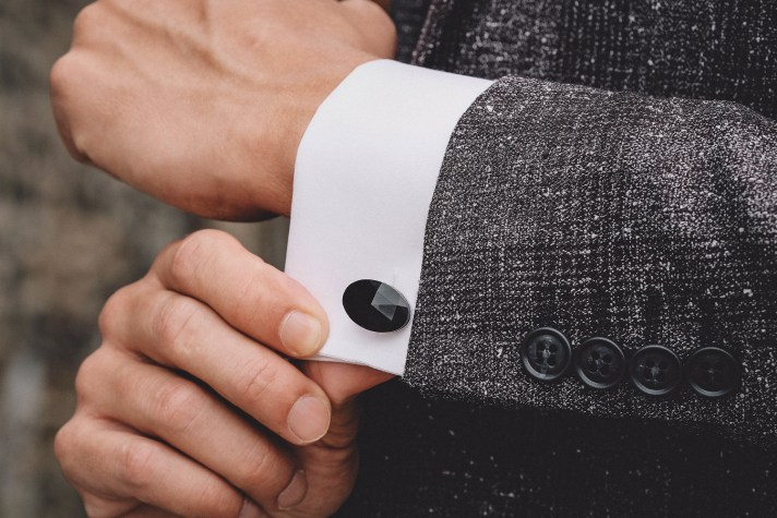 Peaky-Blinders-Style-1920's-Mens-Fashion-(cuff-links)