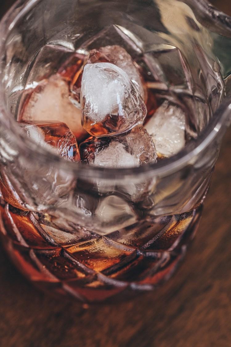 Negroni---Stirring-glass-and-ice-close-up