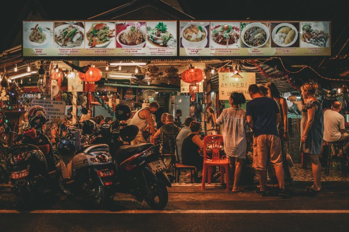 Thailand-Phuket-Restaurant---Night