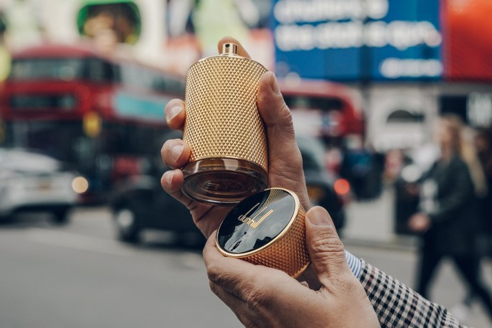 Dunhill-Icon-Absolute---Picadilly-Circus