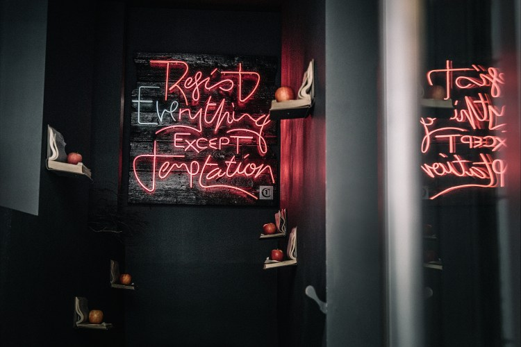 London---Neon