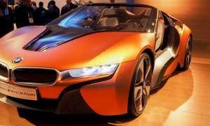 Nowe koncepcje BMW stawiają na bogate wnętrza autonomicznych wozów sportowych