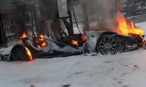 Samochód Tesla Model S spalił się podczas ładowania w Norwegii