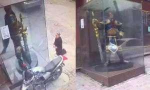 W Chinach starsza kobieta modliła się do… postaci z League of Legends