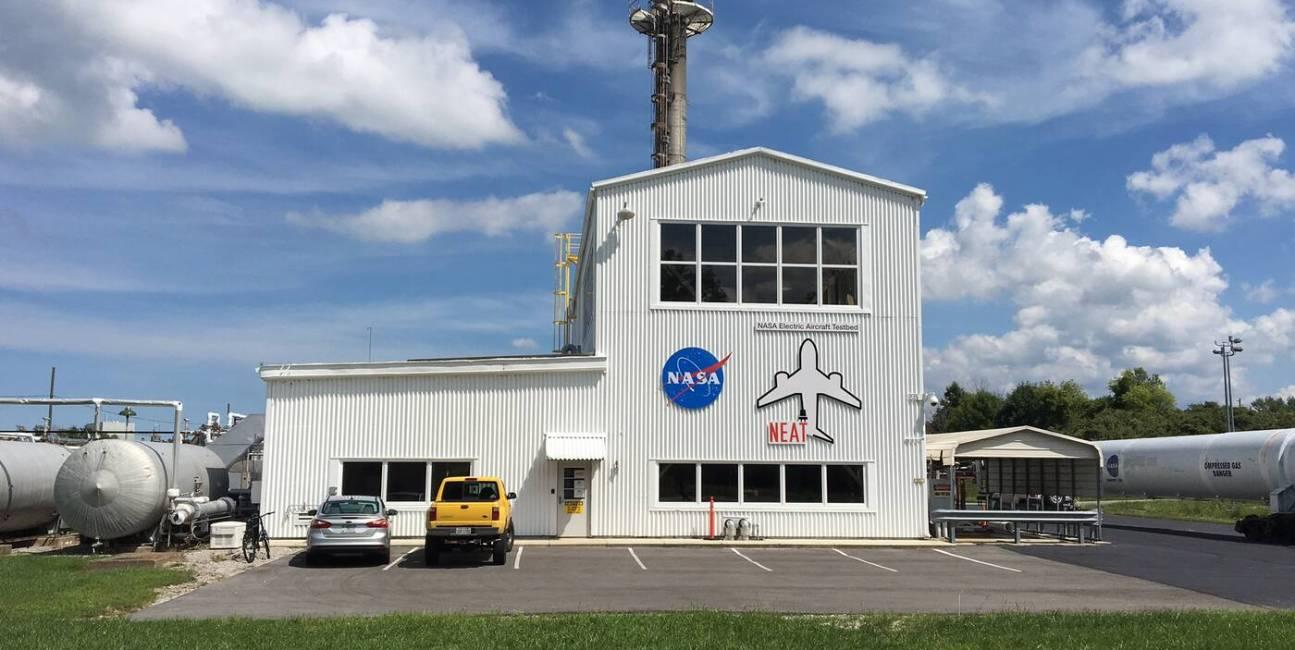 NASA, Twitter, praktyka, Naomi H, Hickam, Homer Hickam, staż, wybryk