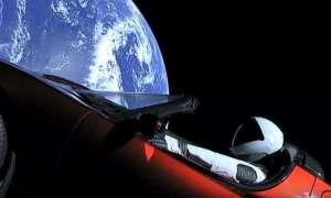 Starman i auto Tesli przekroczyły właśnie Marsa