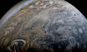 Juno zbliża się do połowy swojej misji