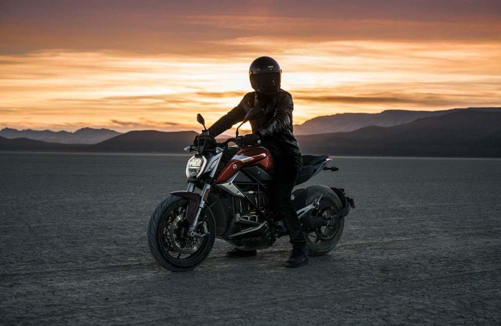 Zero ujawniło swój motocykl elektryczny SR/F z ogromnym momentem obrotowym