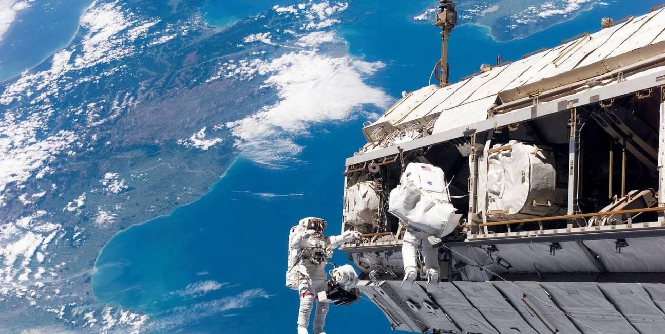 ISS, stacja kosmiczna, bakterie, bakterie ISS, powłoka antybakteryjna, ISS powłoka antybakteryjna, AGXX ISS, AGXX, AGXX powłoka antybakteryjna