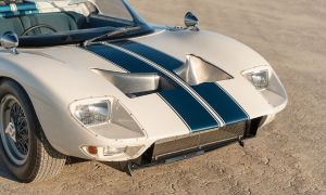 Jeden z dwunastu prototypów Ford GT40 Roadster trafi na sprzedaż
