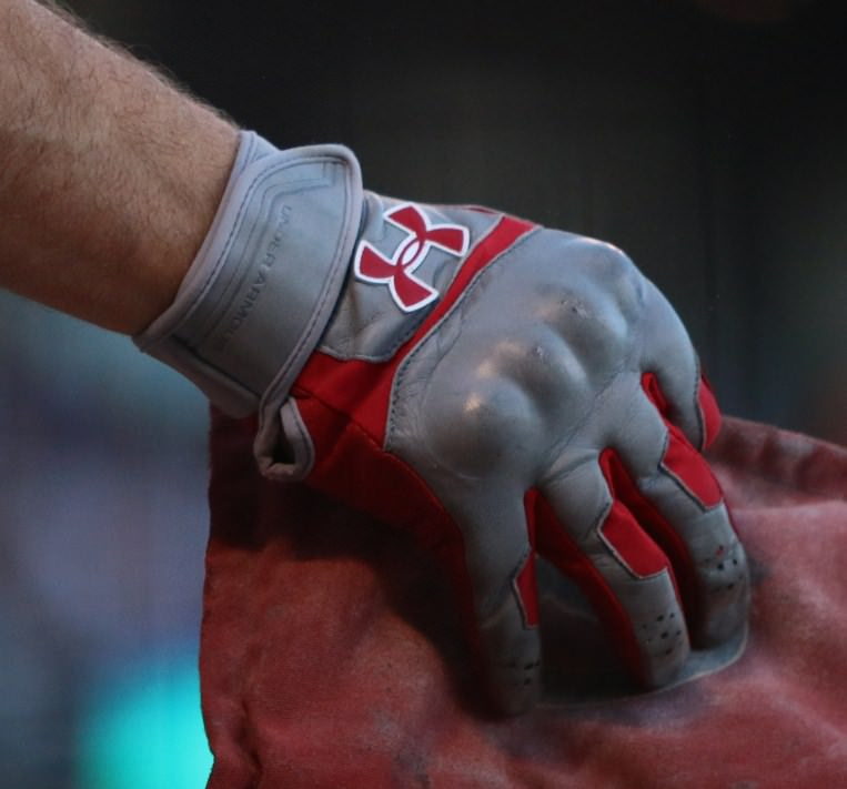 aj-pollock-under-armour-batting-gloves-armor