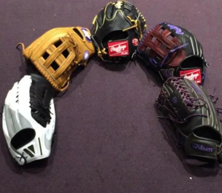 U Washington Gloves 2