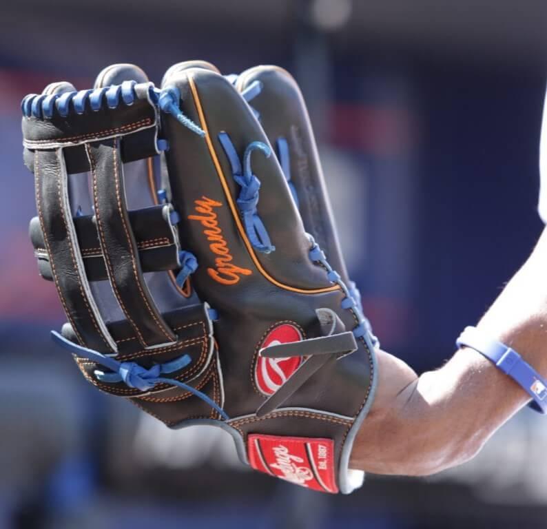 Curtis Granderson Rawlings Glove 3