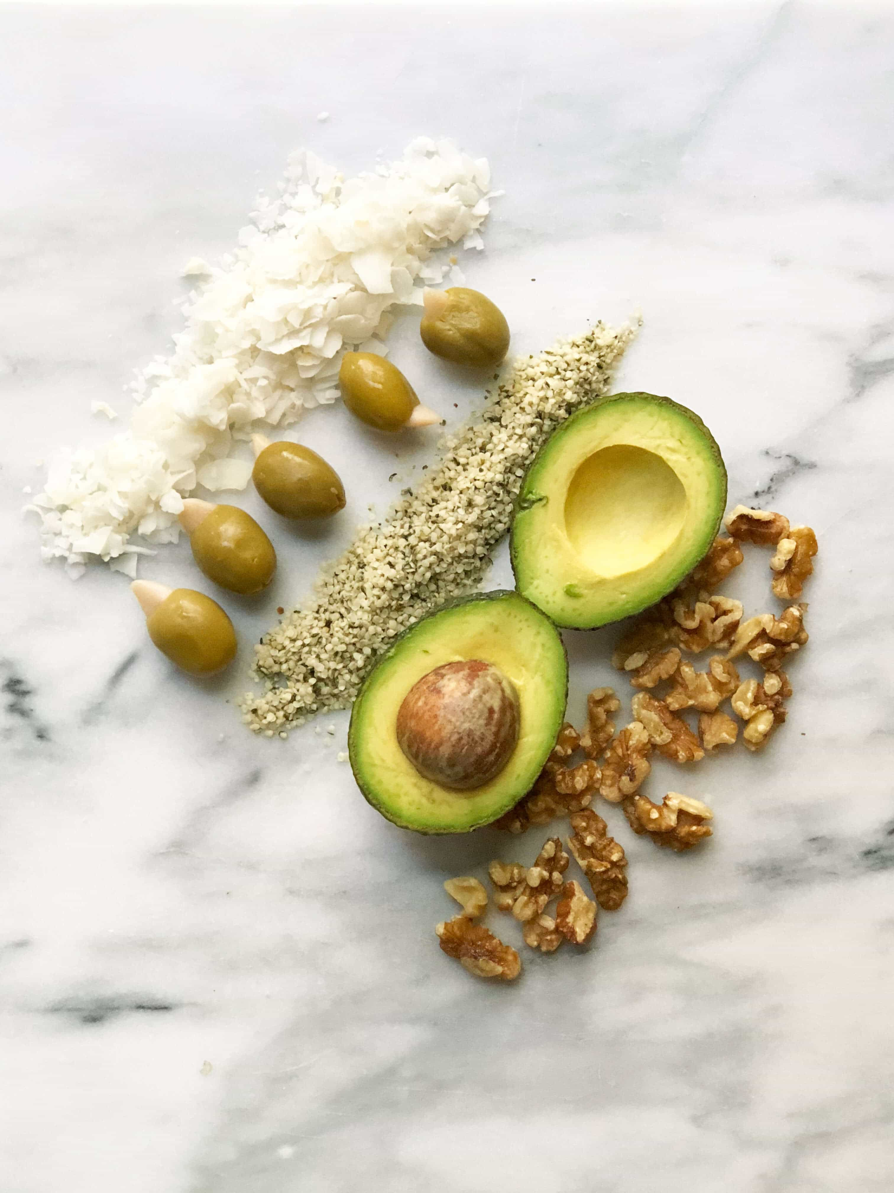 Why You Should'nt Be Afraid Of Healthy Fats #saveeandsavory #weightlosstips #wellness #getfit #fitgirls #healthylifestyle #healthyfat