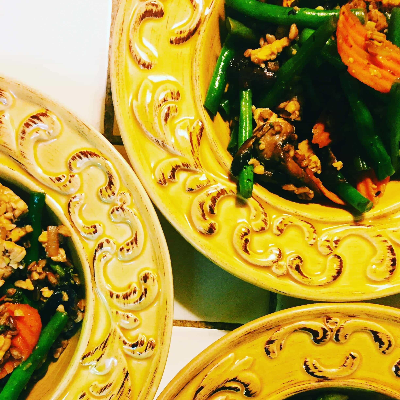 5 TIPS FOR ACCOMMODATING MULTIPLE DIETS #saveeandsavory #glutenfree #vegan #holiday #thanksgiving #hosting #chef #christmas