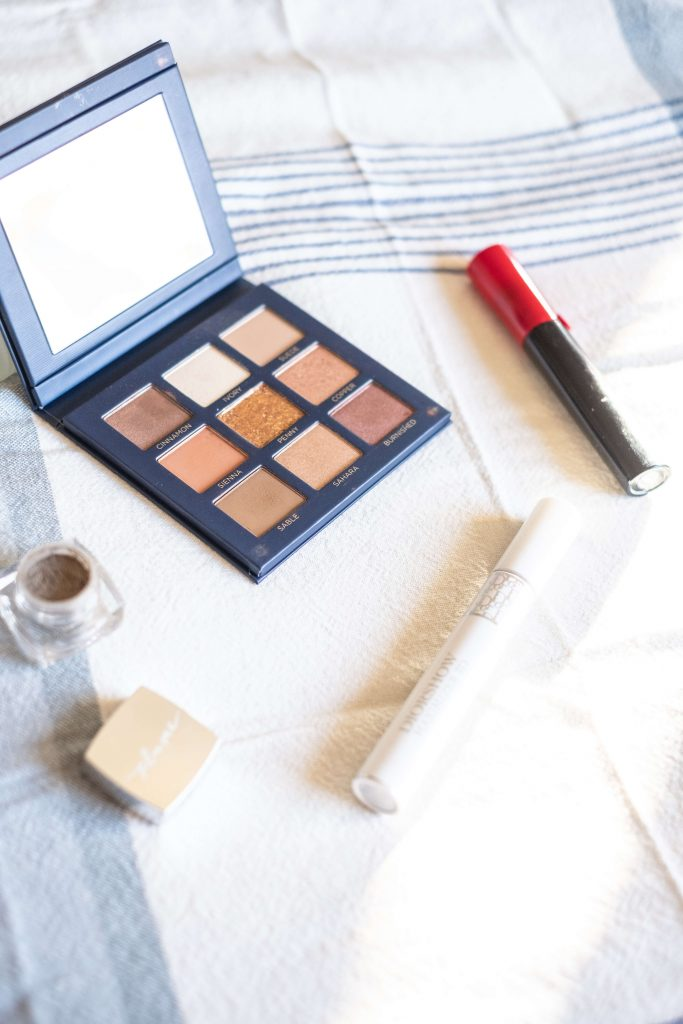What's In My Clean Makeup Bag- Winter Edition #whatsavvysaid #cleanmakeup #cleanmakeupbag #wintermakeup #beautycounter #plume