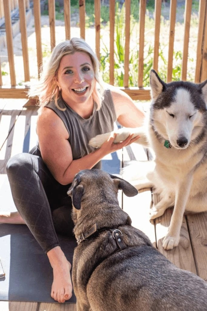 How To Get Back Into Your Workout Routine When You've Fallen Off Track #whatsavvysaid #homeworkout #homeworkoutroutine #adoptdontshop #fitness