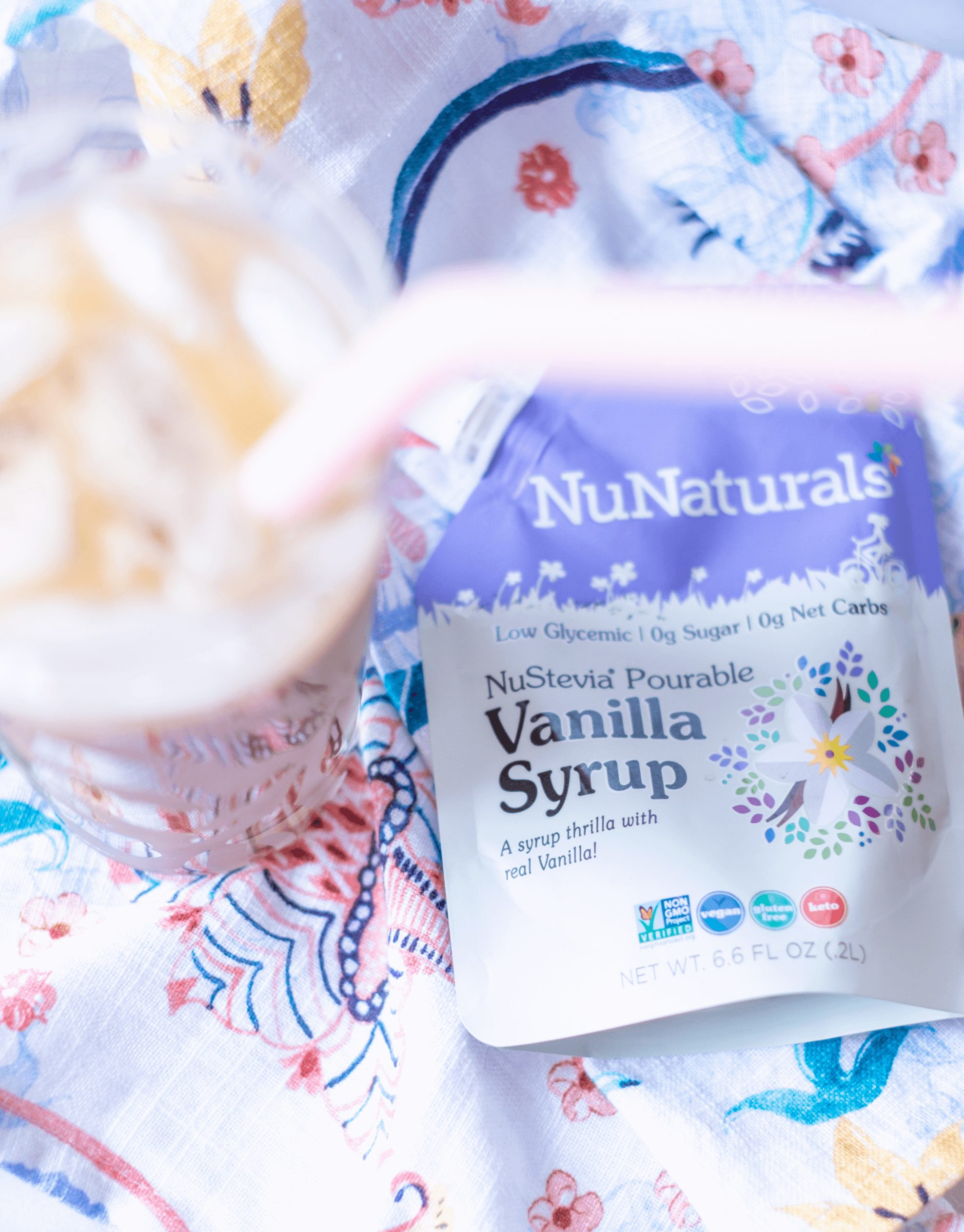 Iced Vanilla Latte #whatsavvysaid #healthylatte #starbucksdupe #nunaturals #dairyfree #sugarfree